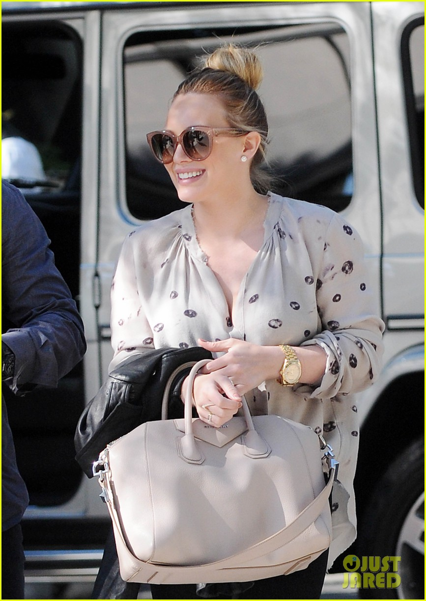 hilary duff mike comrie kings stanley cup celebration 022795914