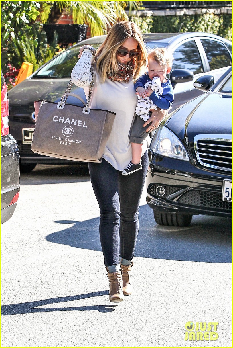 hilary duff mike comrie lakers lovers 132794054