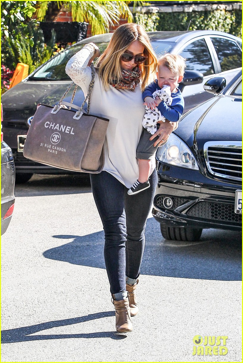 hilary duff mike comrie lakers lovers 162794057