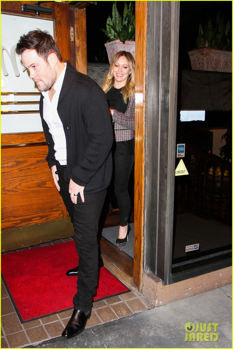 hilary duff mike comrie madeo dinner couple 012799518