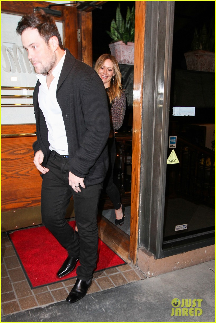 hilary duff mike comrie madeo dinner couple 09