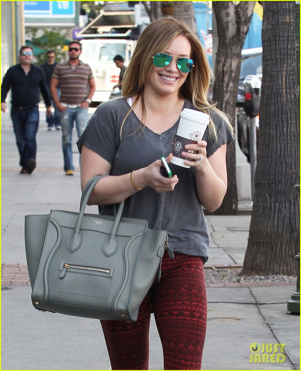 hilary duff raising hope guest star in february 02