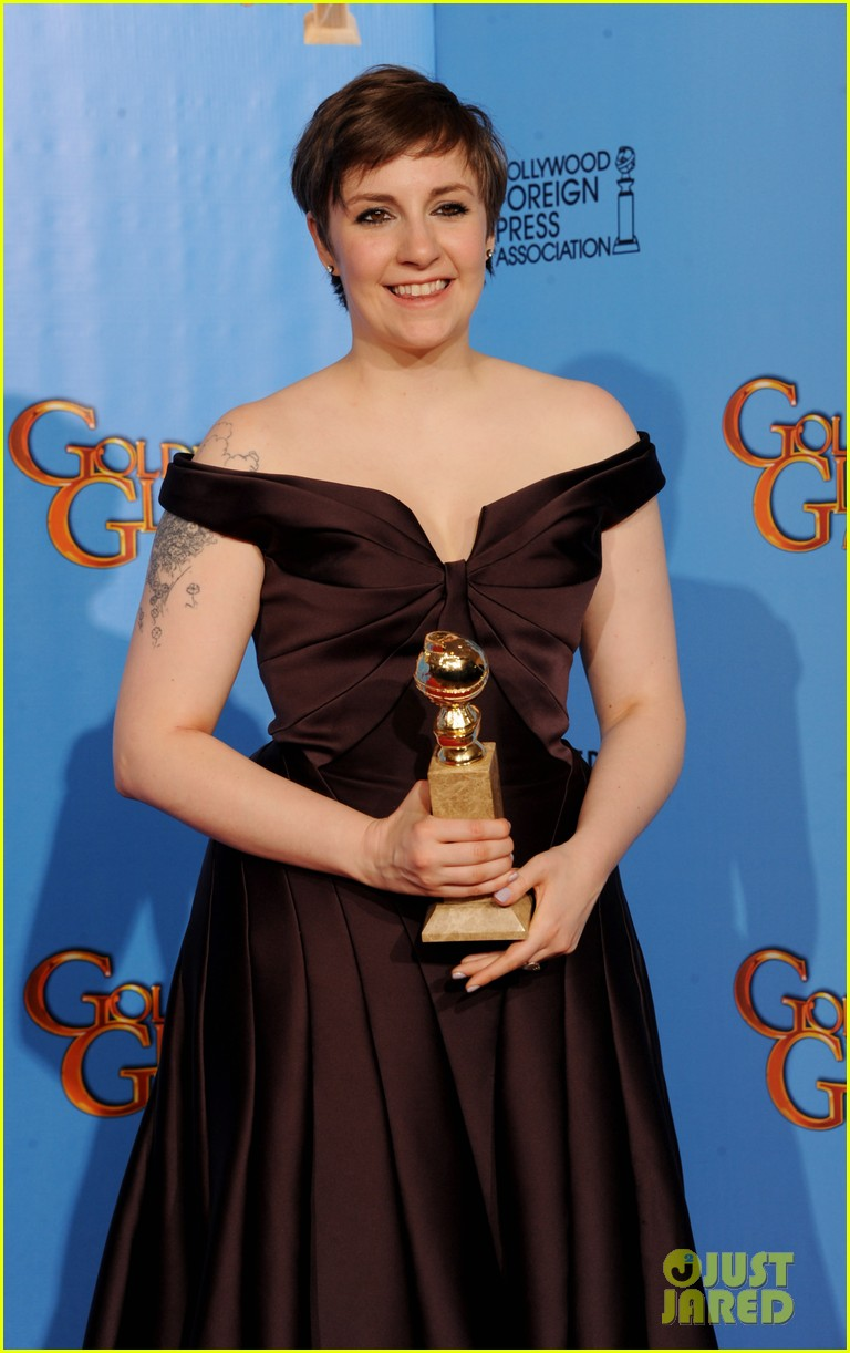 lena dunham girls wins best comedy series at golden globes 2013 102791349