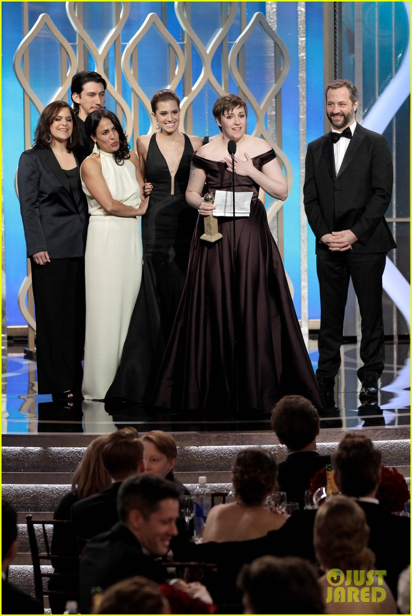 lena dunham girls wins best comedy series at golden globes 2013 212791360