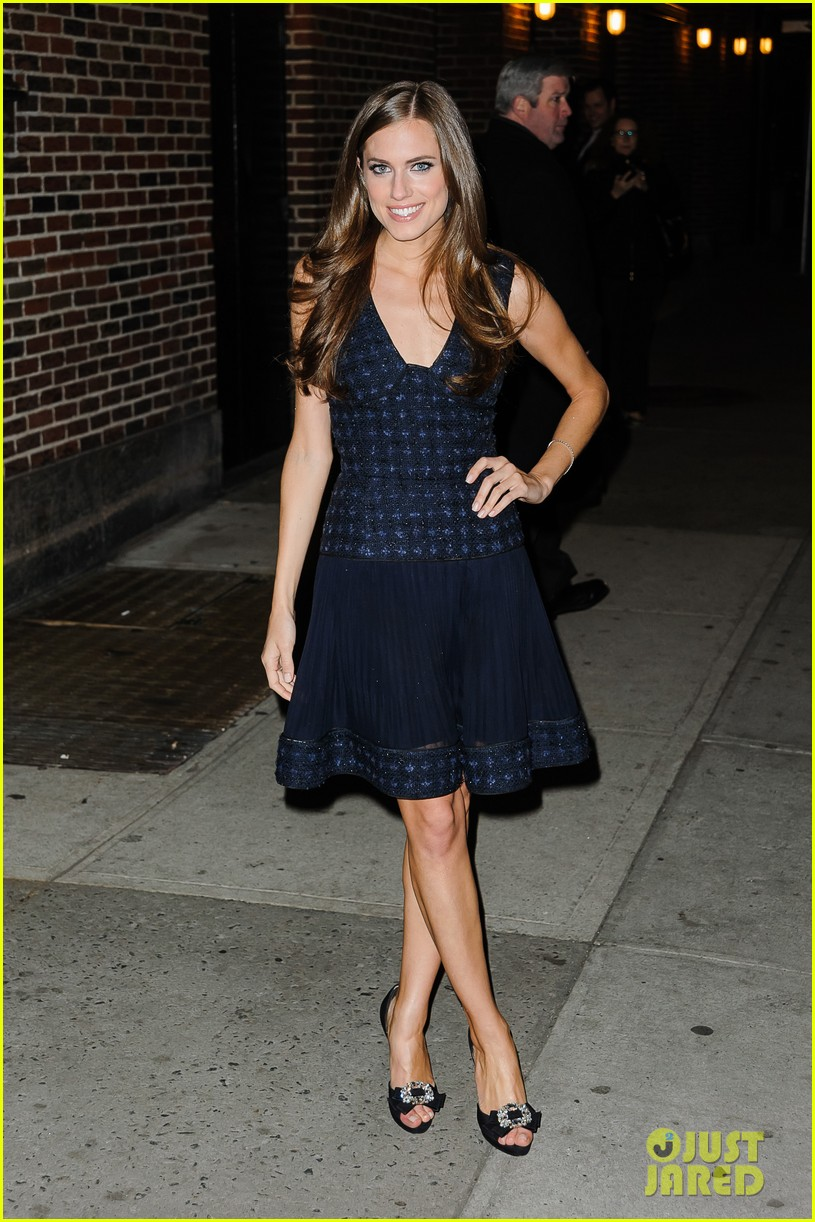 lena dunham allison williams letterman ladies 16