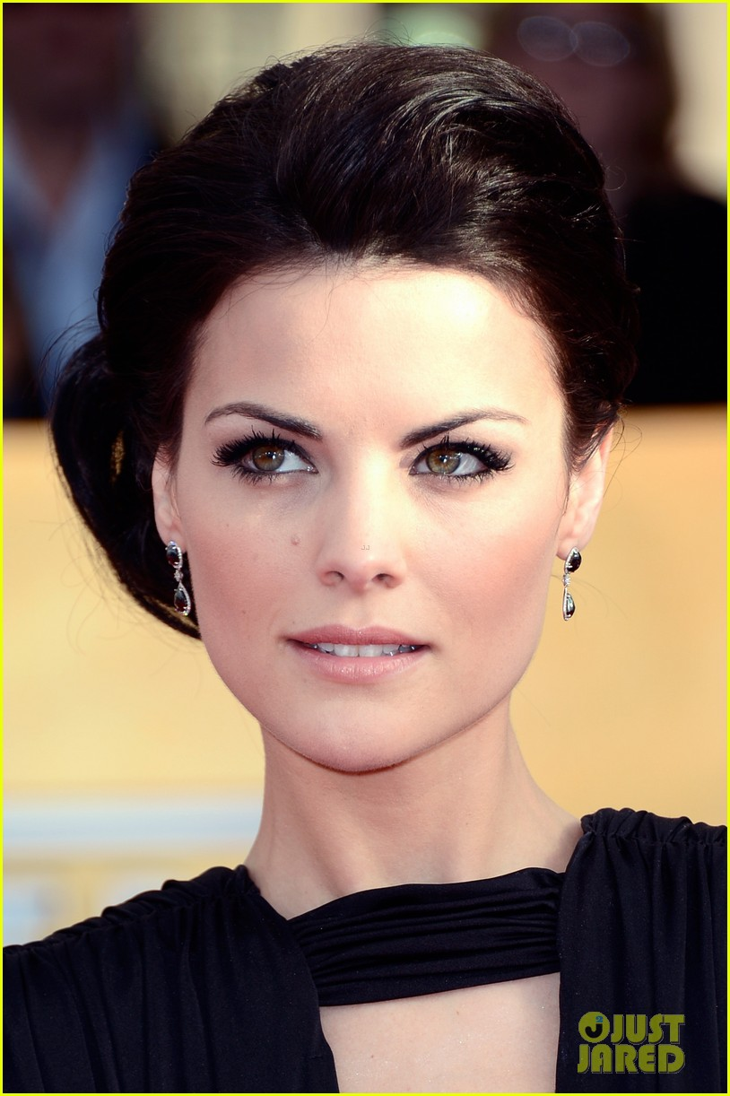 jaimie alexander sag awards 2013 red carpet 022799612
