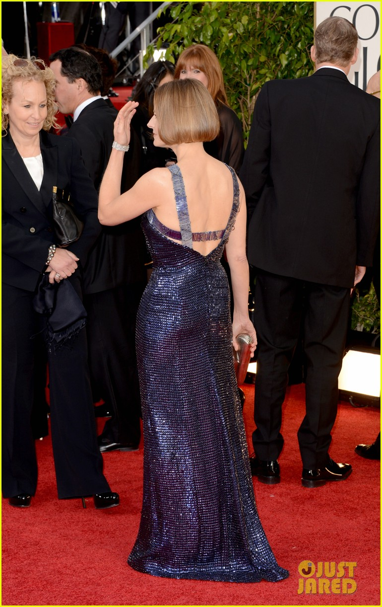 jodie foster golden globes 2013 red carpet 01