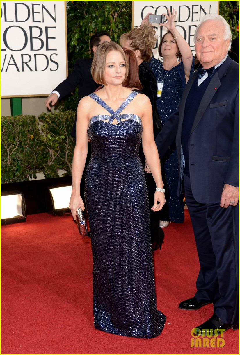jodie foster golden globes 2013 red carpet 052791130