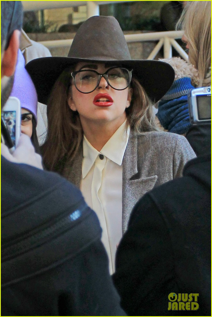 lady gaga steps out after kelly osbourne feud 042788811