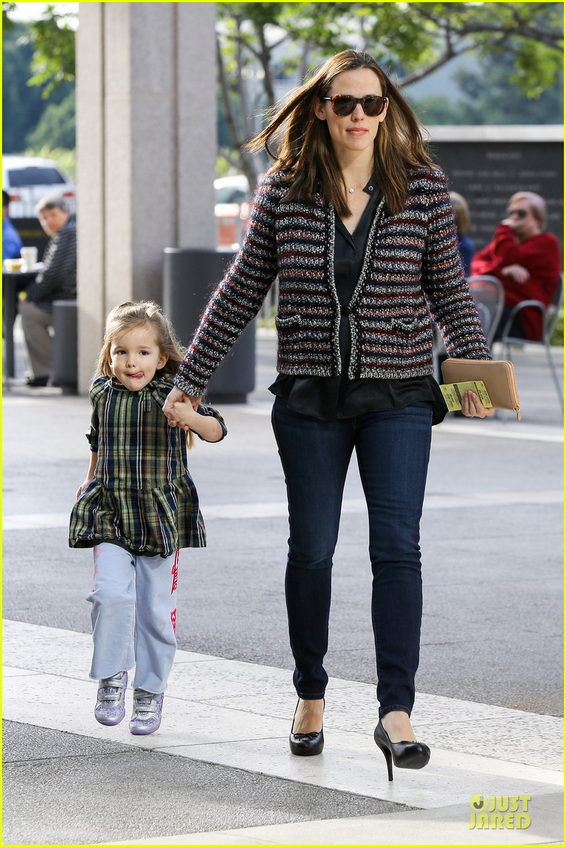 jennifer garner ahmanson play date with violet & seraphina 062785306