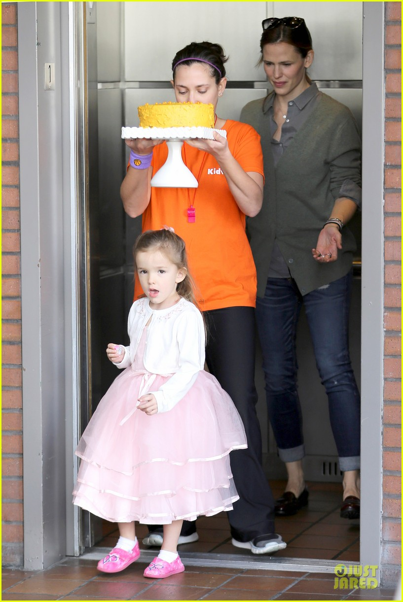 jennifer garner & ben affleck happy 4th birthday seraphina 01