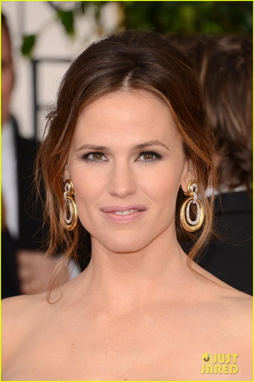 jennifer garner golden globes 2013 red carpet 062791229