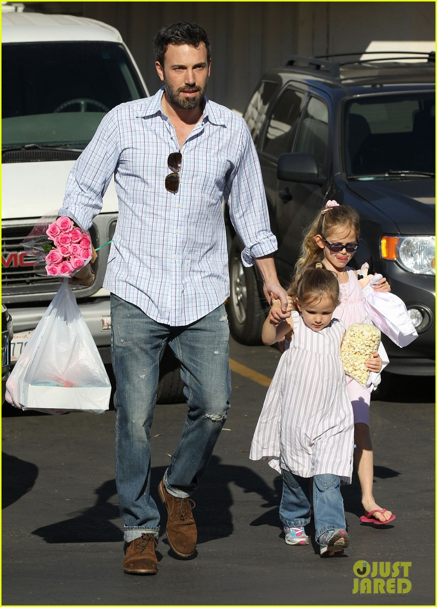 jennifer garner ben affleck weekend outings with the girls 092796347