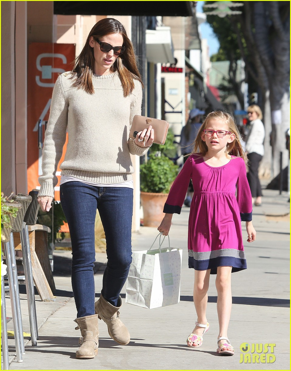 jennifer garner ben affleck weekend outings with the girls 15