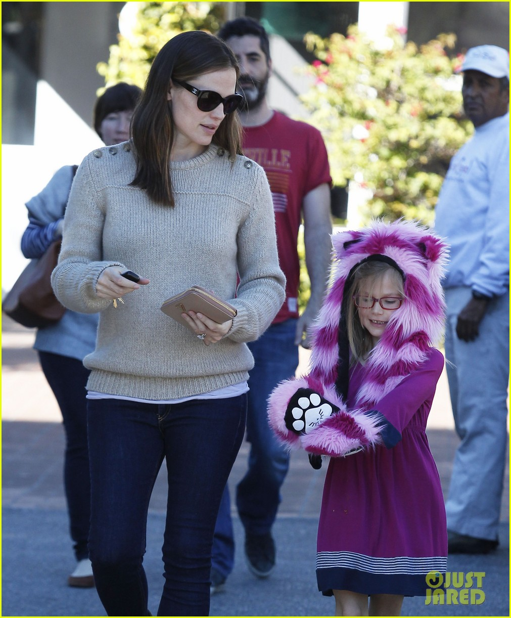 jennifer garner ben affleck weekend outings with the girls 182796356