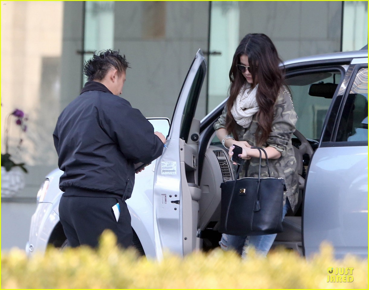 selena gomez office day with vanessa hudgens 112787358
