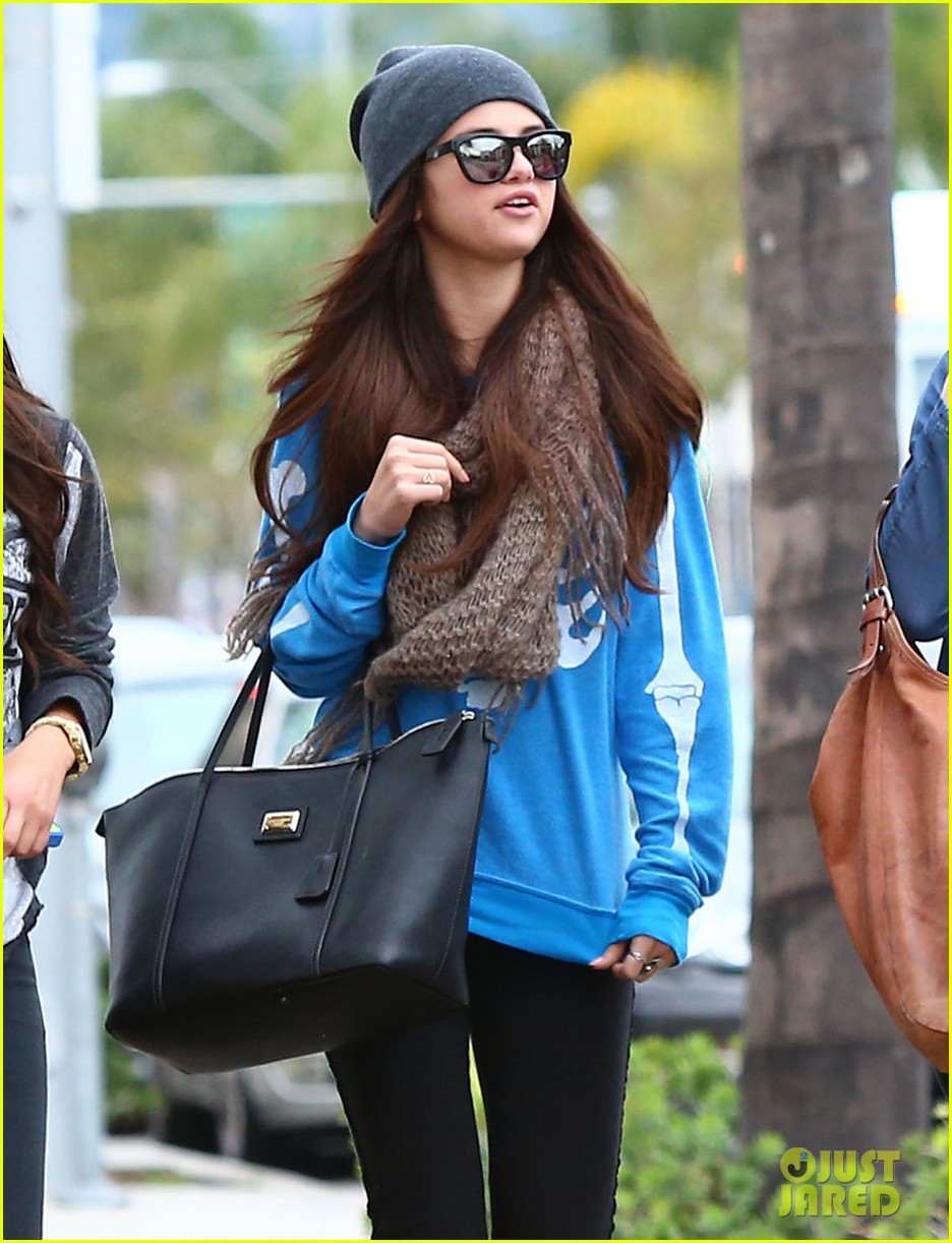 selena gomez wizards returns sets premiere date 112798163