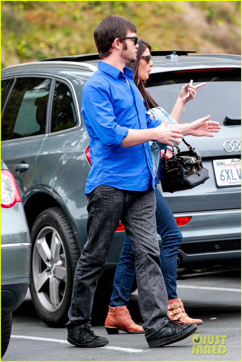 ashley greene cafe med cutie 10