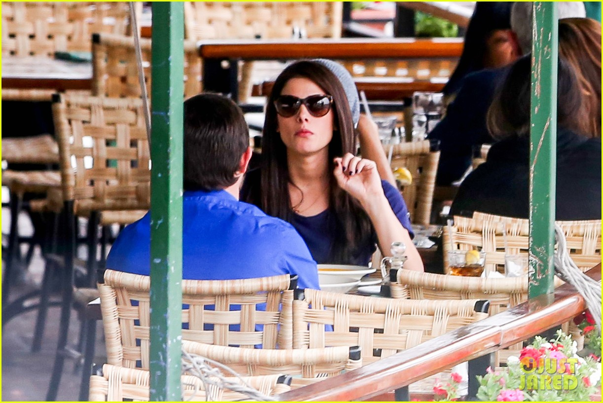 ashley greene cafe med cutie 112797891