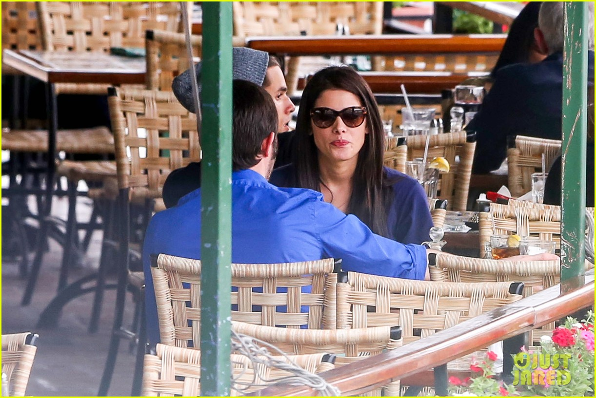 ashley greene cafe med cutie 15