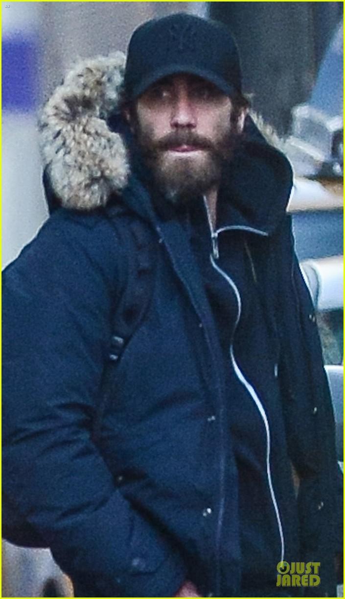 jake gyllenhaal is not dating katie holmes 042785132