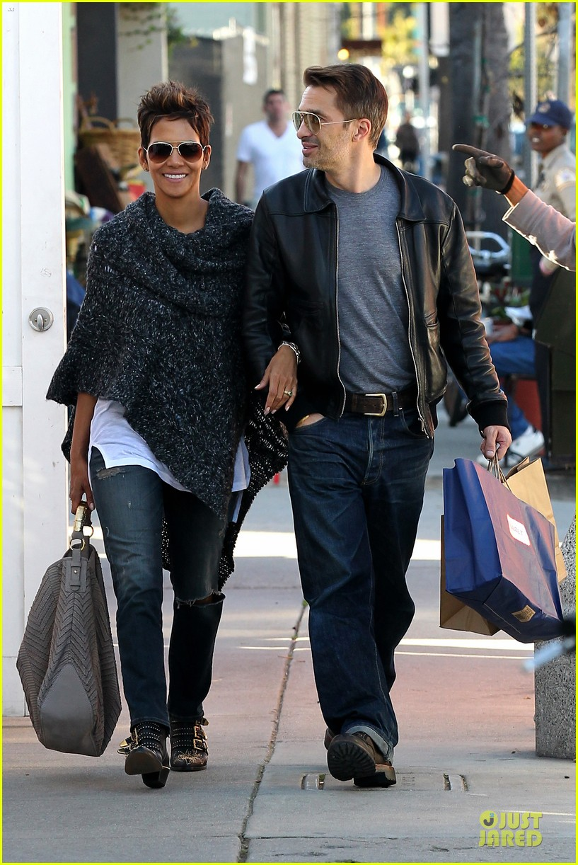 halle berry pushed for more in movie 43 03