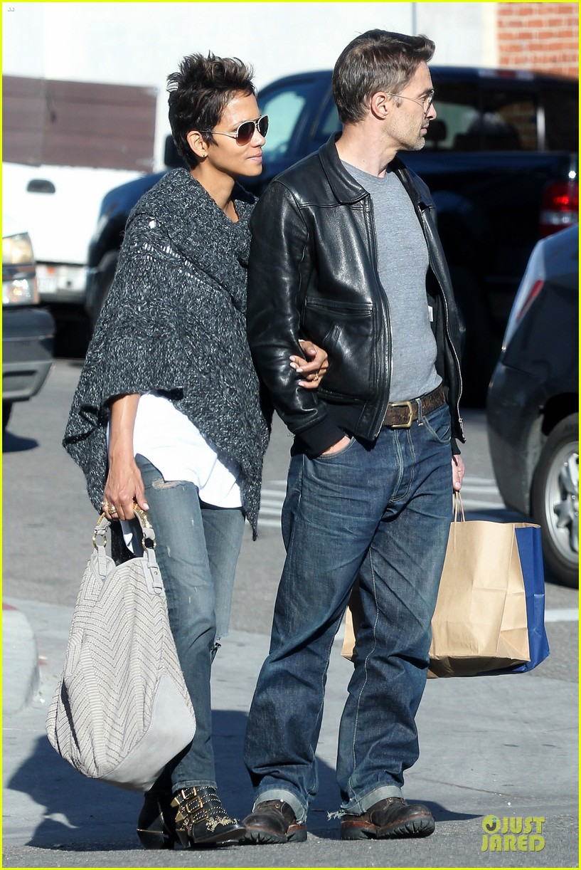 halle berry pushed for more in movie 43 152794427