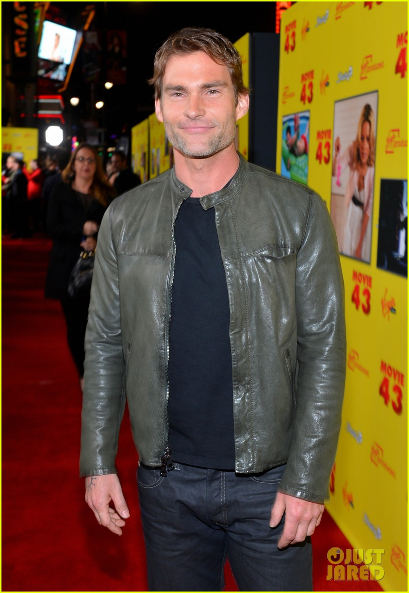 chelsea handler seann william scott movie 43 premiere 19