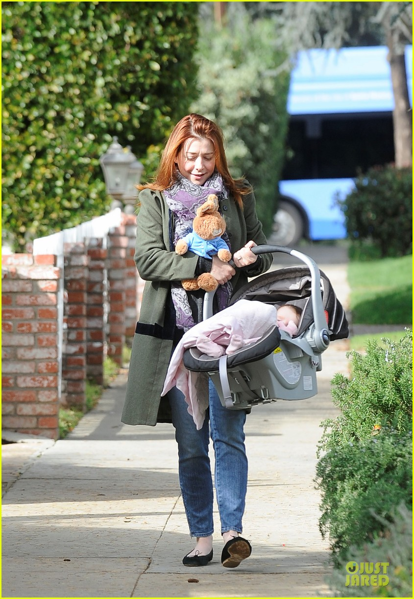 alyson hannigan motherhood is the most rewarding job ever 032782984