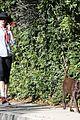 anne hathaway saturday stroll with esmeralda 07