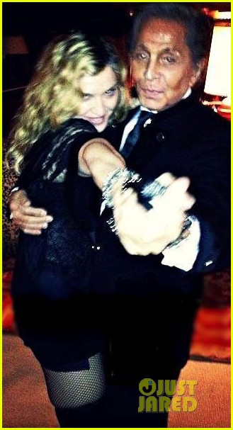 anne hathaway madonna valentino new years eve party pics 012783761