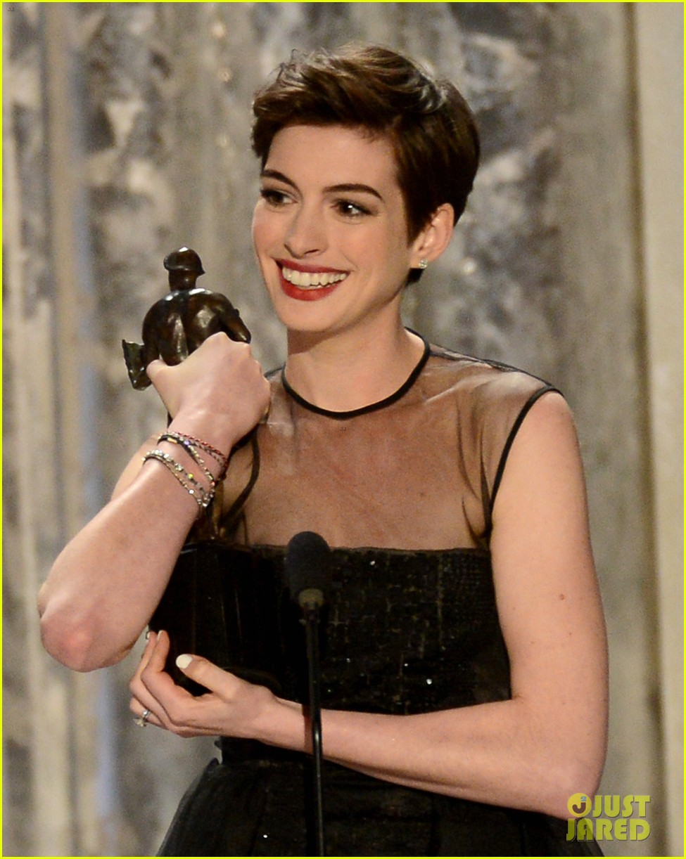 anne hathaway sag awards winner 012799758