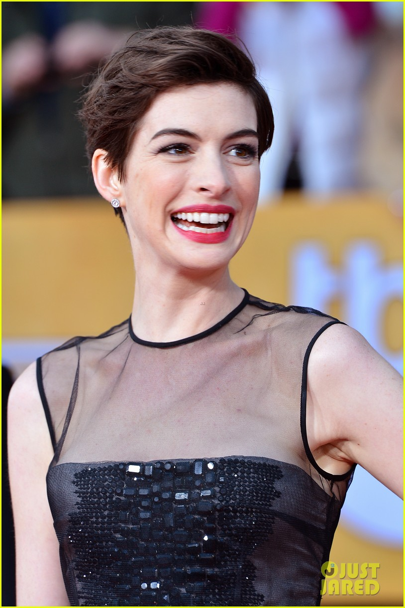 anne hathaway sag awards winner 052799762
