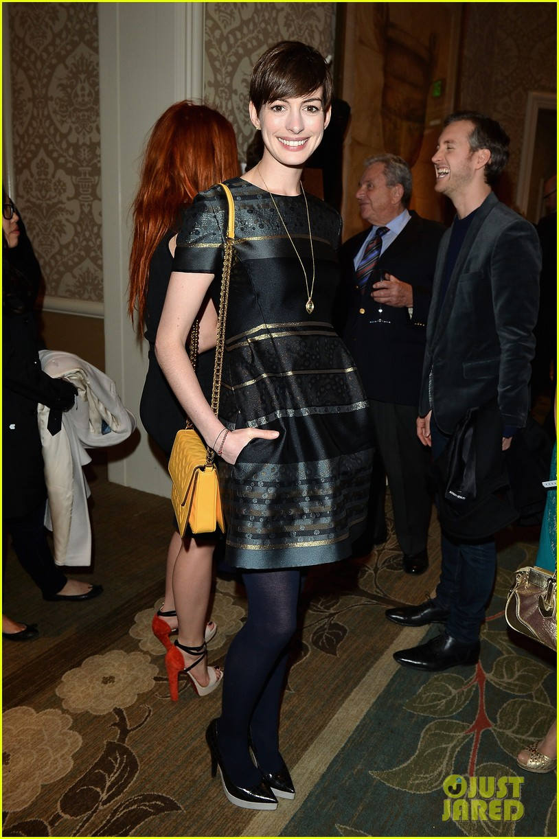 anne hathaway eddie redmayne bafta tea party 2013 01