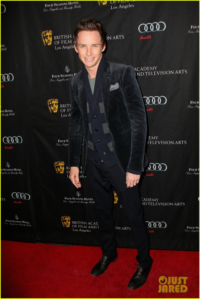 anne hathaway eddie redmayne bafta tea party 2013 032790127