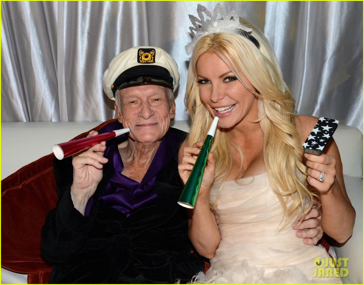 hugh hefner crystal harris wedding pictures revealed 032783196