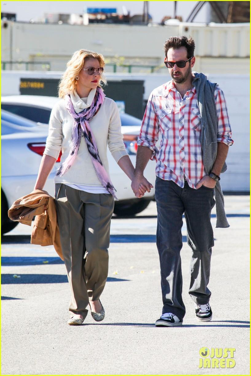 katherine heigl josh kelley holding hands malibu 202799366