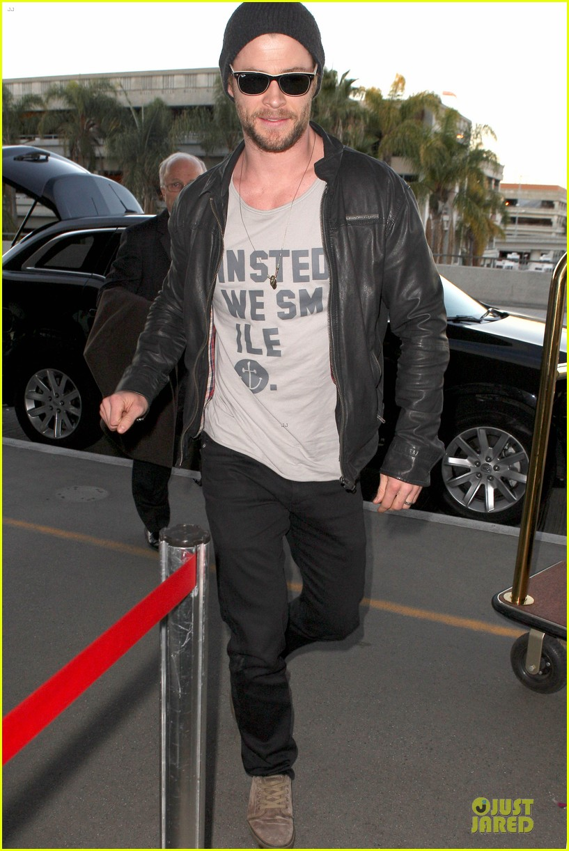 chris hemsworth & elsa pataky separate los angeles outings 10