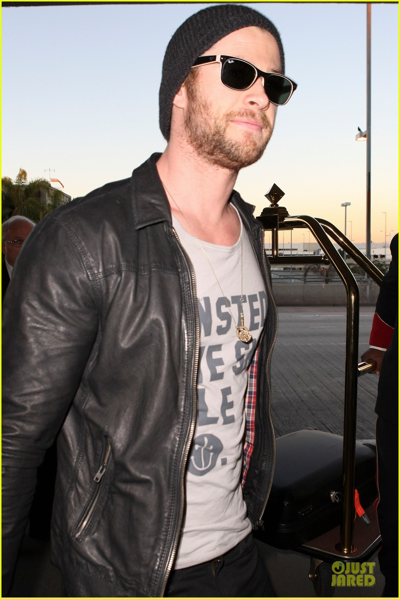 chris hemsworth & elsa pataky separate los angeles outings 13
