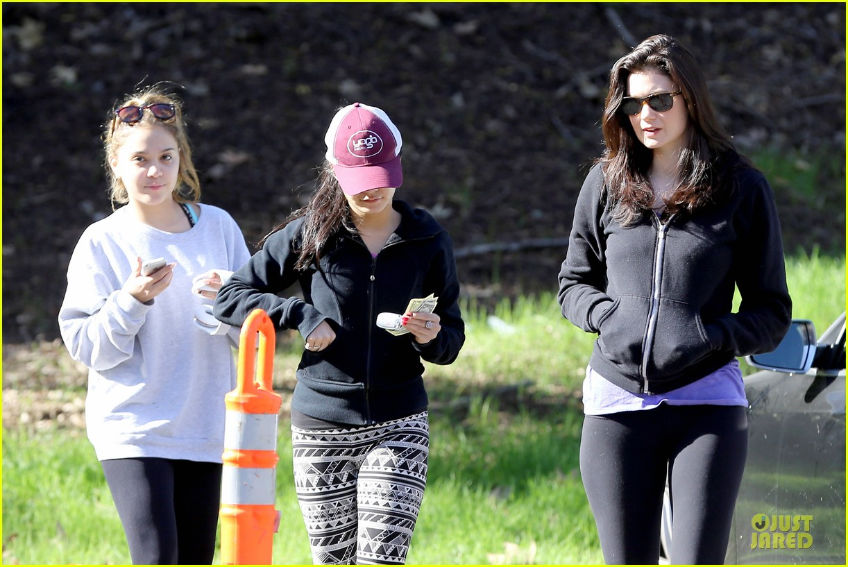 vanessa hudgens studio city hike with stella 082787046