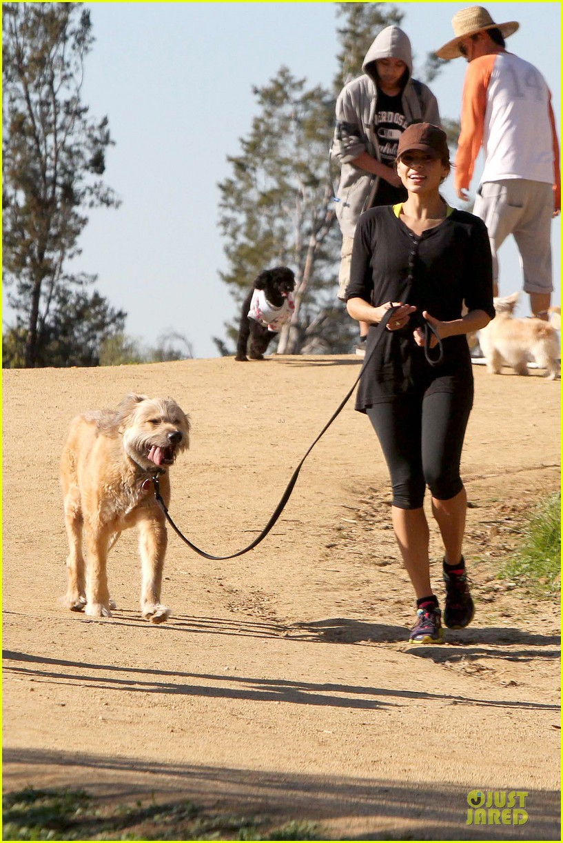 eva mendes new years eve hike 15