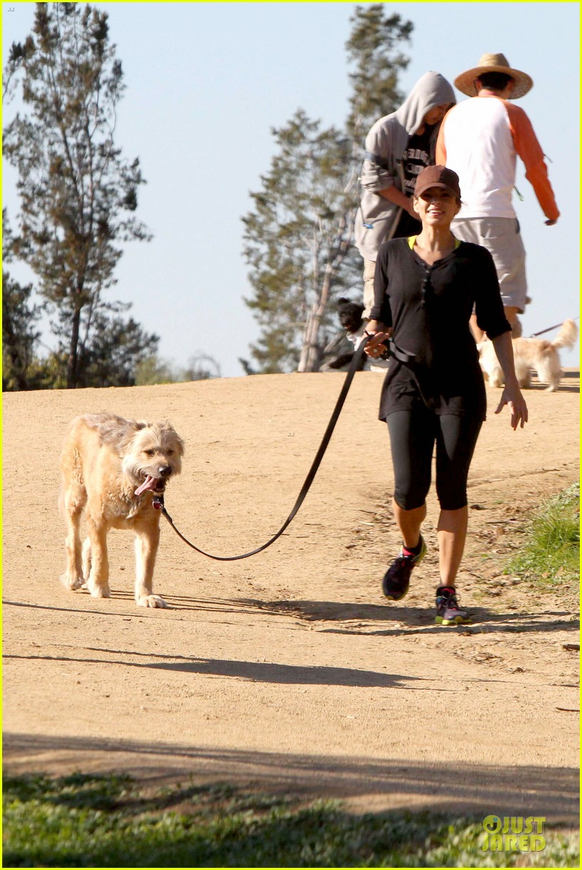 eva mendes new years eve hike 19