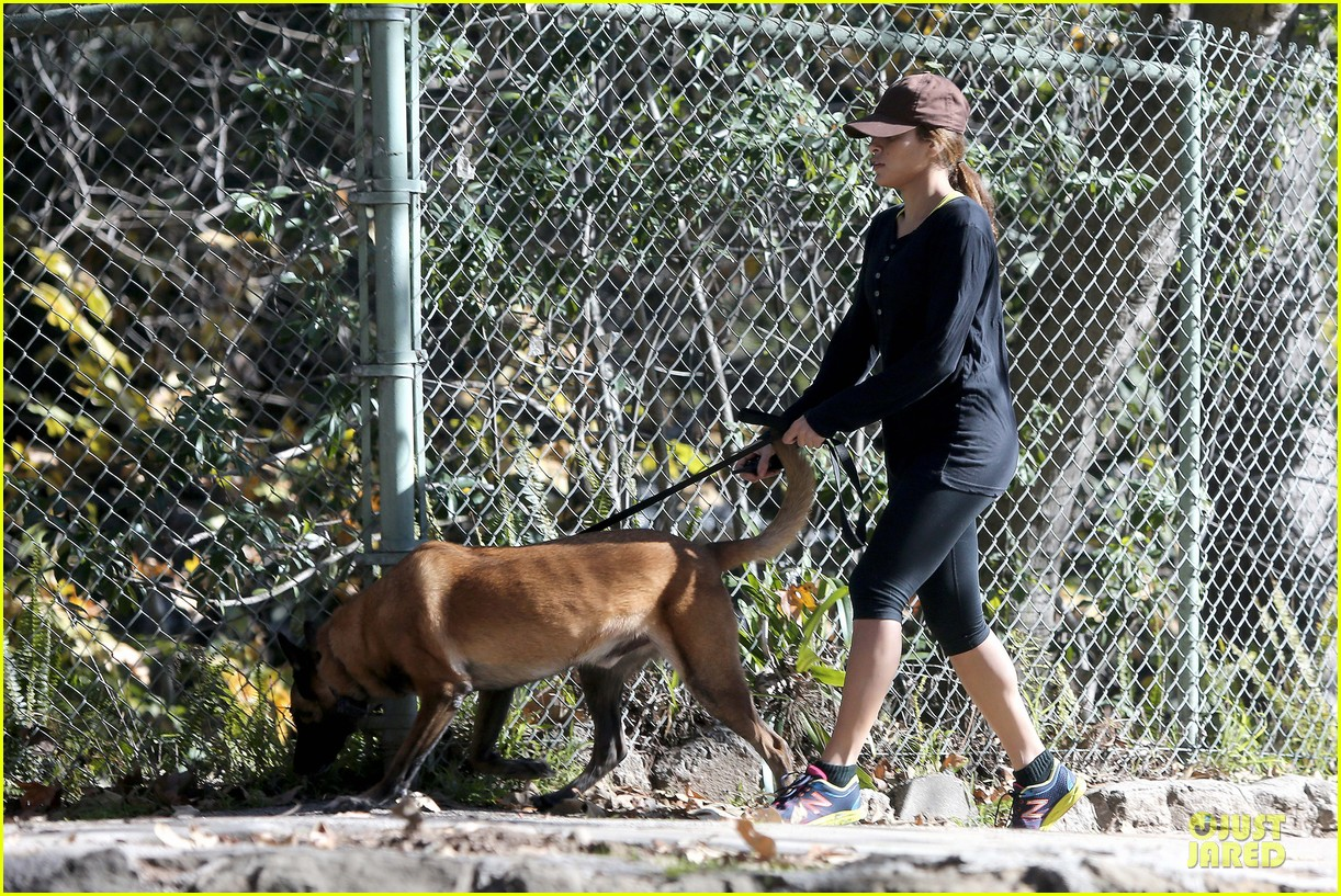 eva mendes new years eve hike 222783717