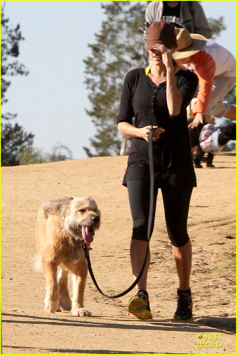 eva mendes new years eve hike 292783724