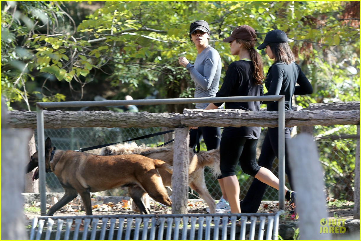 eva mendes new years eve hike 342783729