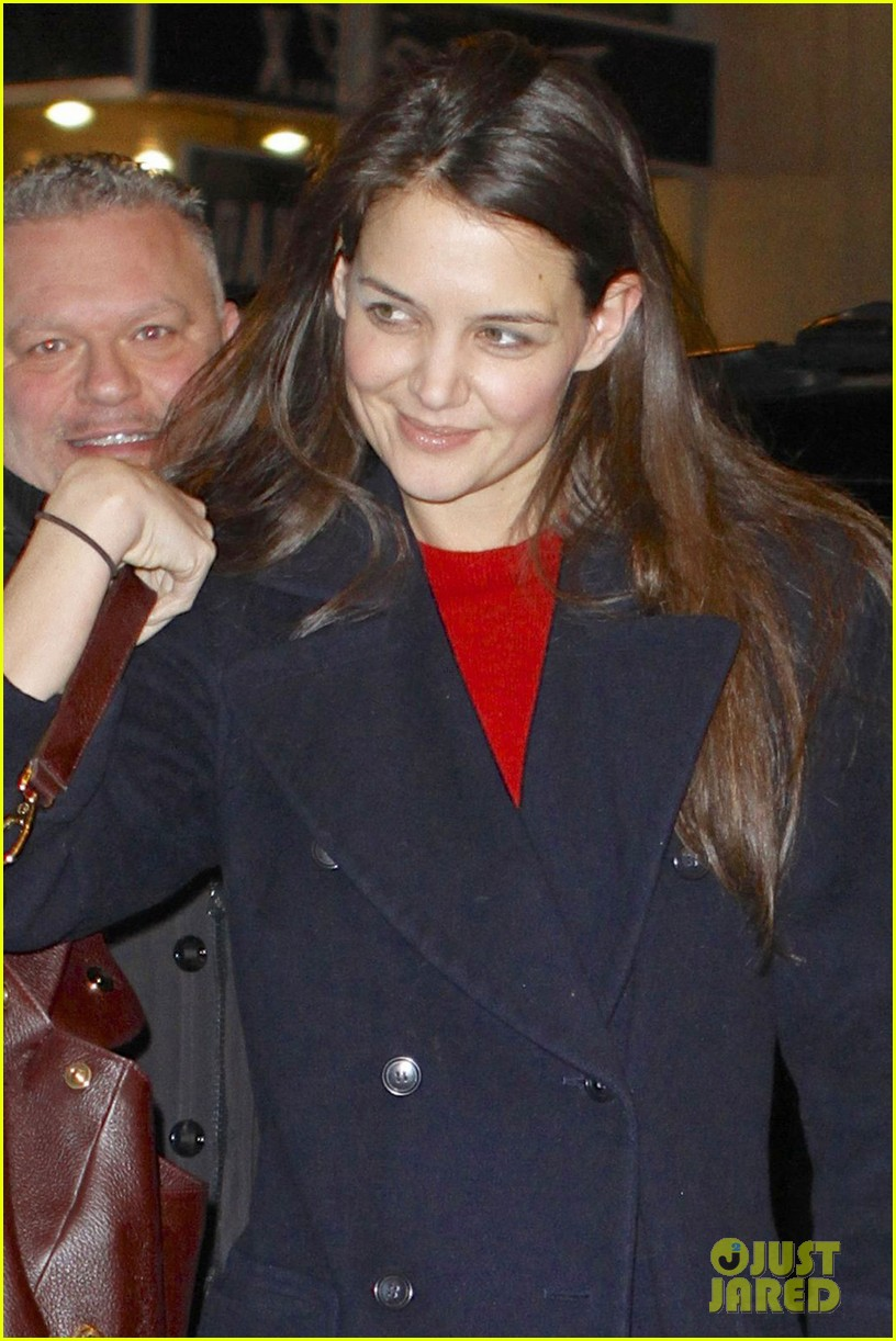 katie holmes dead accounts new year performance 022783816