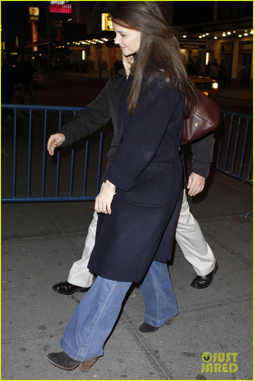 katie holmes dead accounts new year performance 042783818