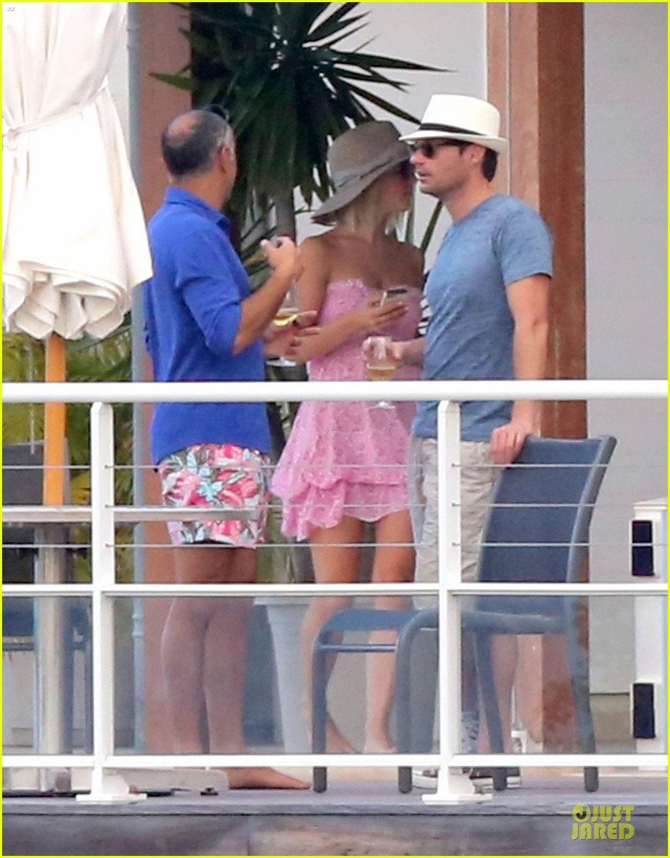 julianne hough & ryan seacrest beach deck kisses 142785184