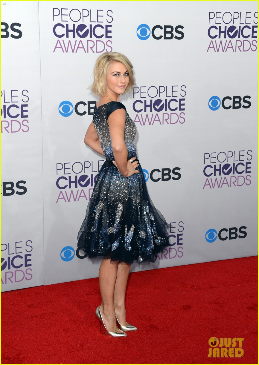 Julianne Hough People S Choice Awards 2013 Red Carpet