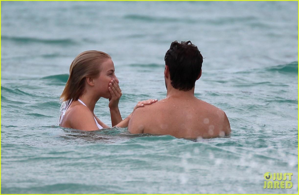julianne hough bikini swimming with shirtless ryan seacrest 24